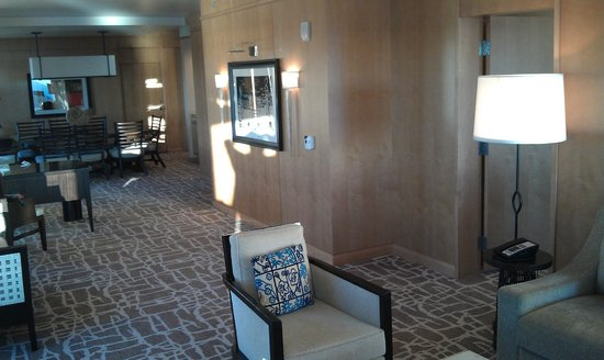 Hilton San Diego Bayfront: Sea Suite interior view