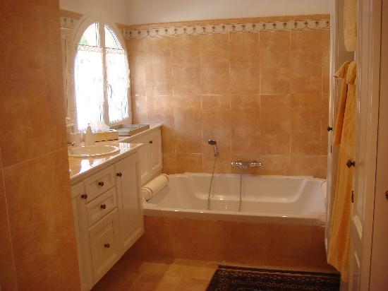 Salle de bain privée en chambre dhôtes - Bild von Chambres dHotes ...