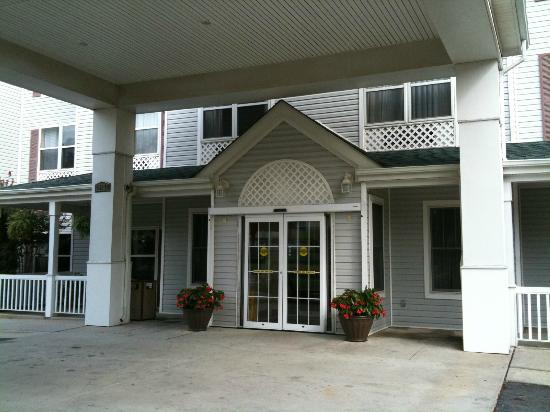 Country Inn & Suites By Carlson, Washington Dulles International Airport: Hotel entrance