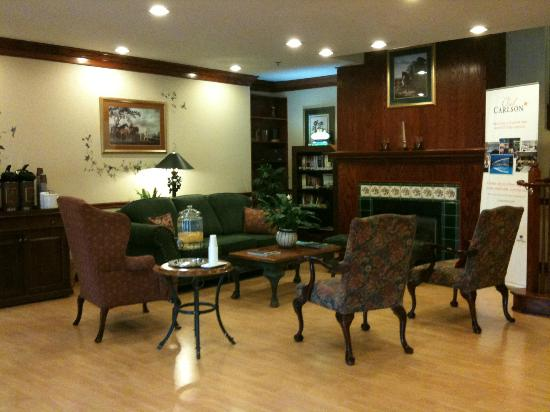 Country Inn & Suites By Carlson, Washington Dulles International Airport: Lobby