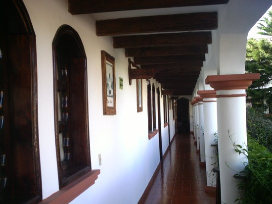 Hotel Posada Jovel: pasillo habitaciones