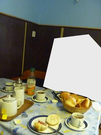 Hotel Rhodania : Das Frühstück (Den Saft wegdenken - ist unser eigener)