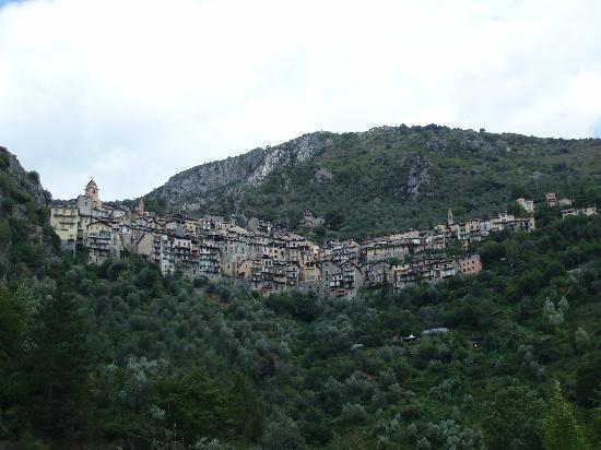 Monastere de Saorge : Sorge, village médiéval perché au creux d'une vallée encaissée