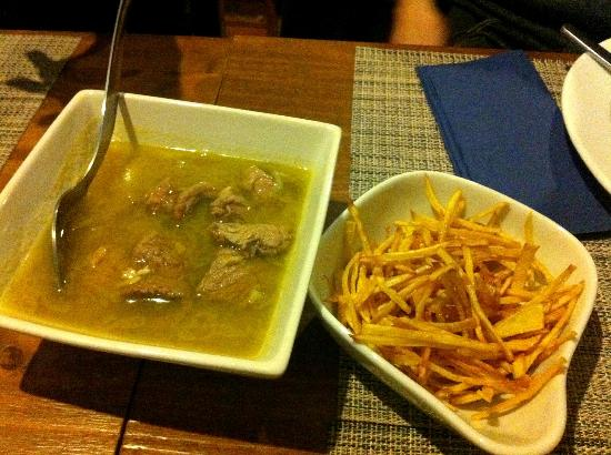 """Cantinho Lusitano: """"Pica-Pau"""" (Strips of Beef with Special Sauce and Fried Sweet Potatoes)"""
