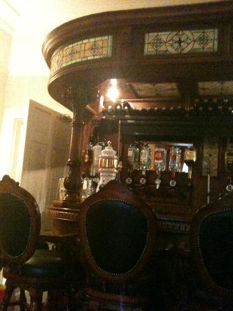 Innisfree House : The Bar