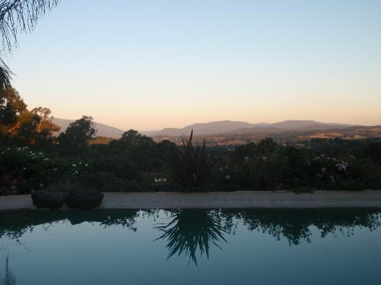 Dalblair Bed and Breakfast: Sunset over the pool