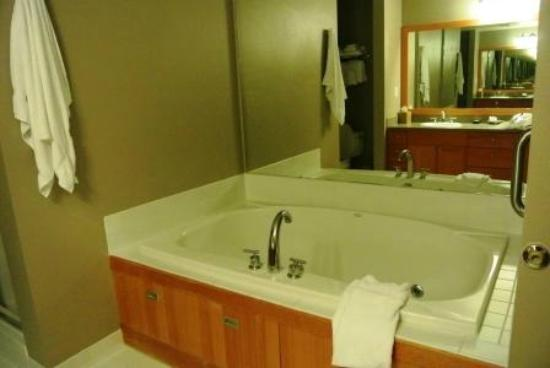 The Summit At Big Sky: jetted tub for two