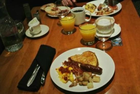 The Summit At Big Sky: Big hot breakfast included
