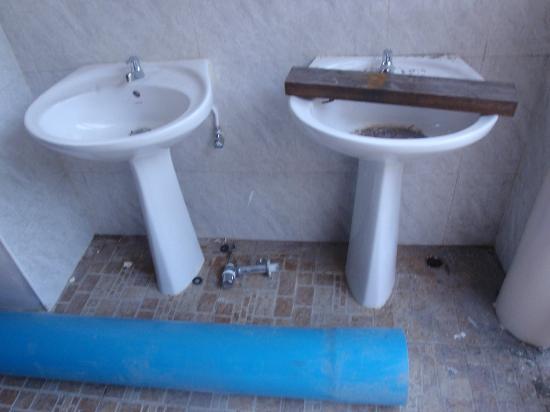 Pinnacle Koh Tao Resort: Baustelle: Pool-Toilette