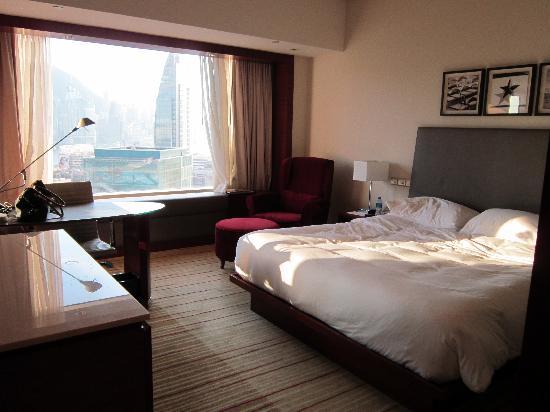 Hyatt Regency Hong Kong, Tsim Sha Tsui: Harbour view Bedroom