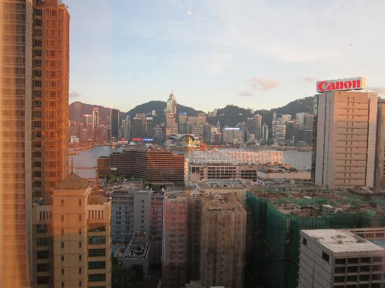Hyatt Regency Hong Kong, Tsim Sha Tsui: View from bedroom window of harbour view room