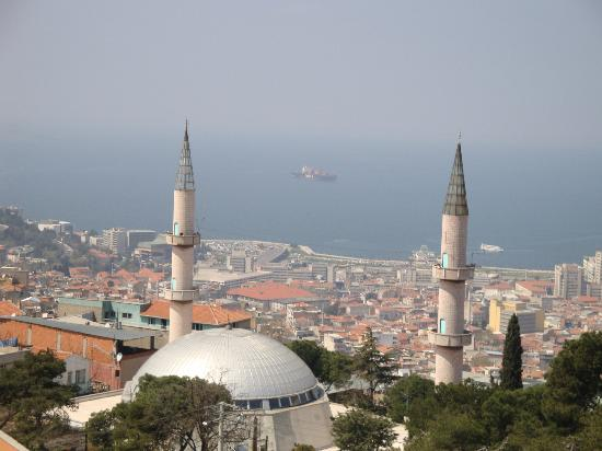 Kadifekale: Panorama di Izmir (2)