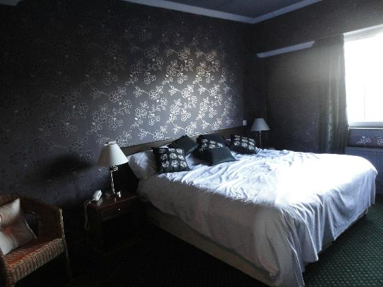The Beveridge Park Hotel: Main bedroom