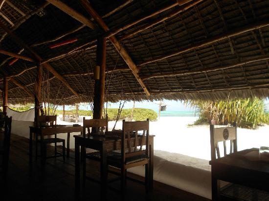 Hakuna Majiwe Beach Lodge: Sala da pranzo dell'Hakuna Makiwe