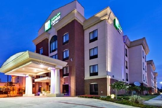 Holiday Inn Hotel Express & Suites West Hurst: Exterior