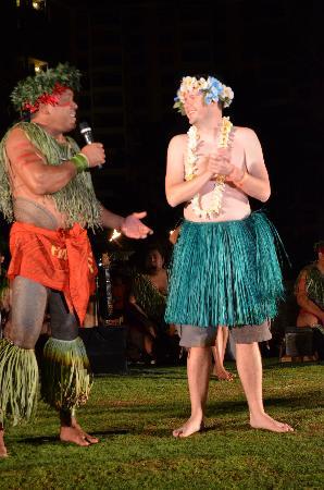 "FIA FIA Polynesian Show : ""Apple, Papaya, Coconut"" - Audience Participation"