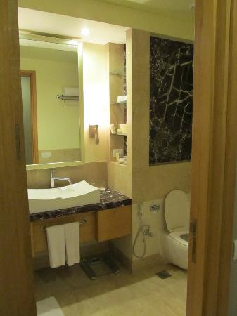 Radisson Blu Suites Gurgaon: Bathroom