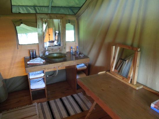 Lemala Manyara: bathroom