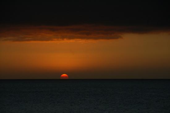 Adventure Lanai Ecocenter: Sunset at Kaumalapau Harbor