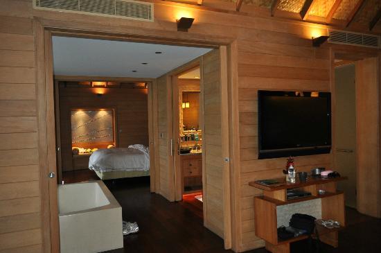 Four Seasons Resort Bora Bora: room