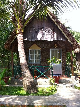 Mai Phuong Beach Resort: Ocean view bungalow #3