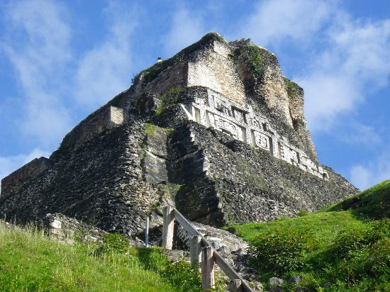 Belize Jungle Dome: Xunantunich
