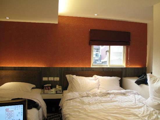 Hotel Puri: the beds are super comfy and rooms are clean but very cramped