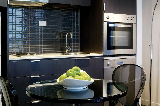 Punthill South Yarra Grand: 1 Bed Kitchen