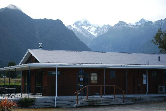 High Peaks Hotel: Restaurant on the premises