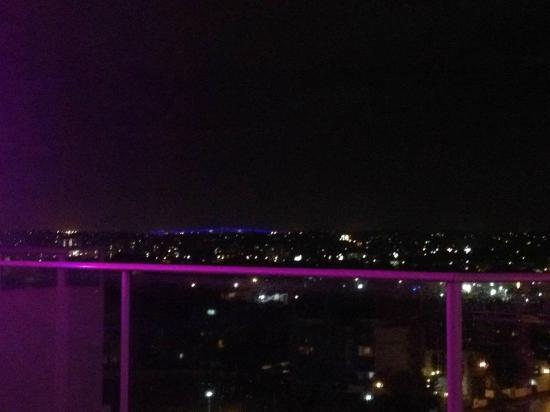 The Sebel South Brisbane: View from Sky Deck - Gateway at night