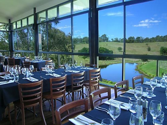 Oceanview Estates Winery and Restaurant: restaurant by day