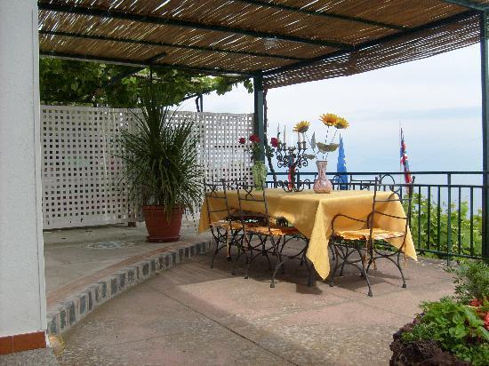 Gazebo Giardino - Picture of Oasi Costa dAmalfi, Amalfi - TripAdvisor