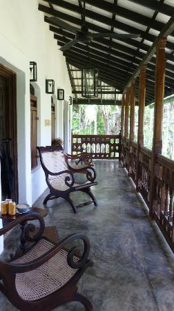 Nisala Arana Boutique Hotel: The balcony outside the 2 Mango Suites