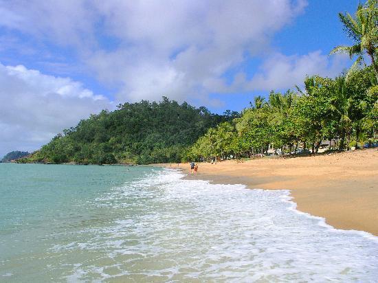 Amaroo at Trinity: Trinity Beach - Cairns' most popular beach