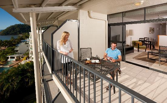 Amaroo at Trinity: Extended outdoor living area