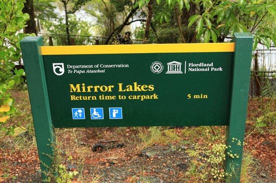 Mirror Lakes Walk
