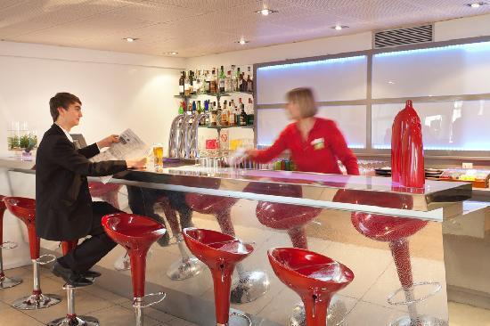 ibis Styles Avignon Sud Hotel : Bar