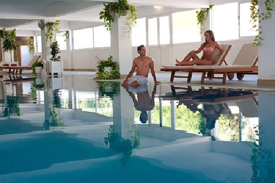 Asterias Beach Hotel: Indoor Swimming Pool 1