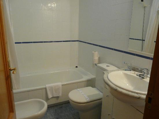 Hotel Horreo: Baño hotel