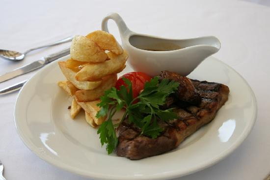 Best Western The Crianlarich Hotel: Char-grilled Scottish beef - cooked to your liking
