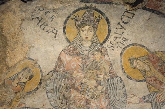 """Cripta del Peccato Originale - Abside centrale raffigurante la """"Basilissa di Matera"""""""