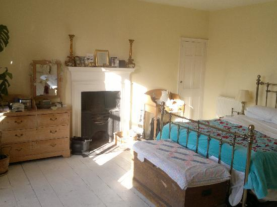 Bathwick Street B & B: The Superior Kingsize bedroom, (with own adjacent large private bathroom on own floor)