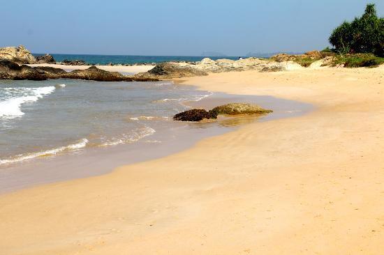 Paradise Road The Villa Bentota: More beach