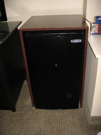 Holiday Inn Express & Suites Bradley Airport: In room mini-fridge was very convenient