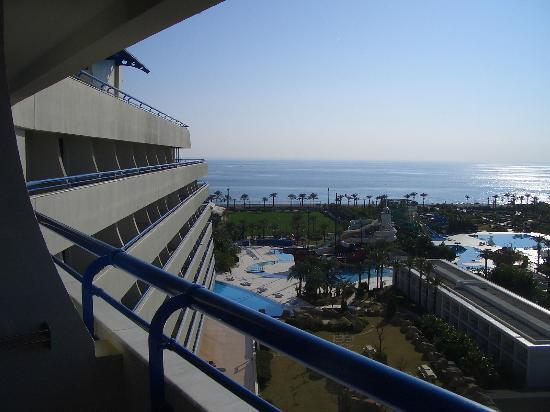 Titanic Beach Lara Hotel: View from balcony, ocean, fussball field, some pools