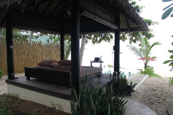 Anantara Rasananda Koh Phangan Villas : beach-front villa