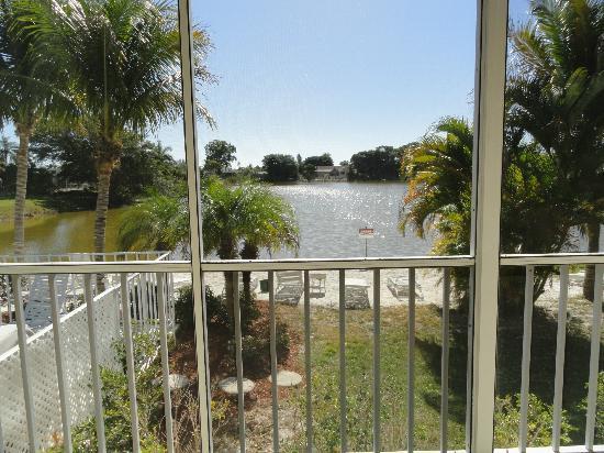 ماركو آيلاند ليكسايد إن: View from our bedroom