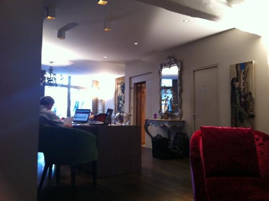 "Hotel de Notre Dame ""Maitre Albert"": reception area"
