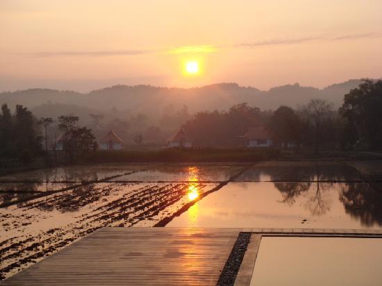 Manee Dheva Resort & Spa: Sunrise at Manee Dheva - Photo 2