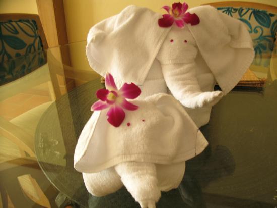 Marriott's Phuket Beach Club: Elephants at the room